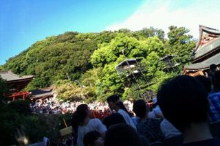 大人気の正面石階段